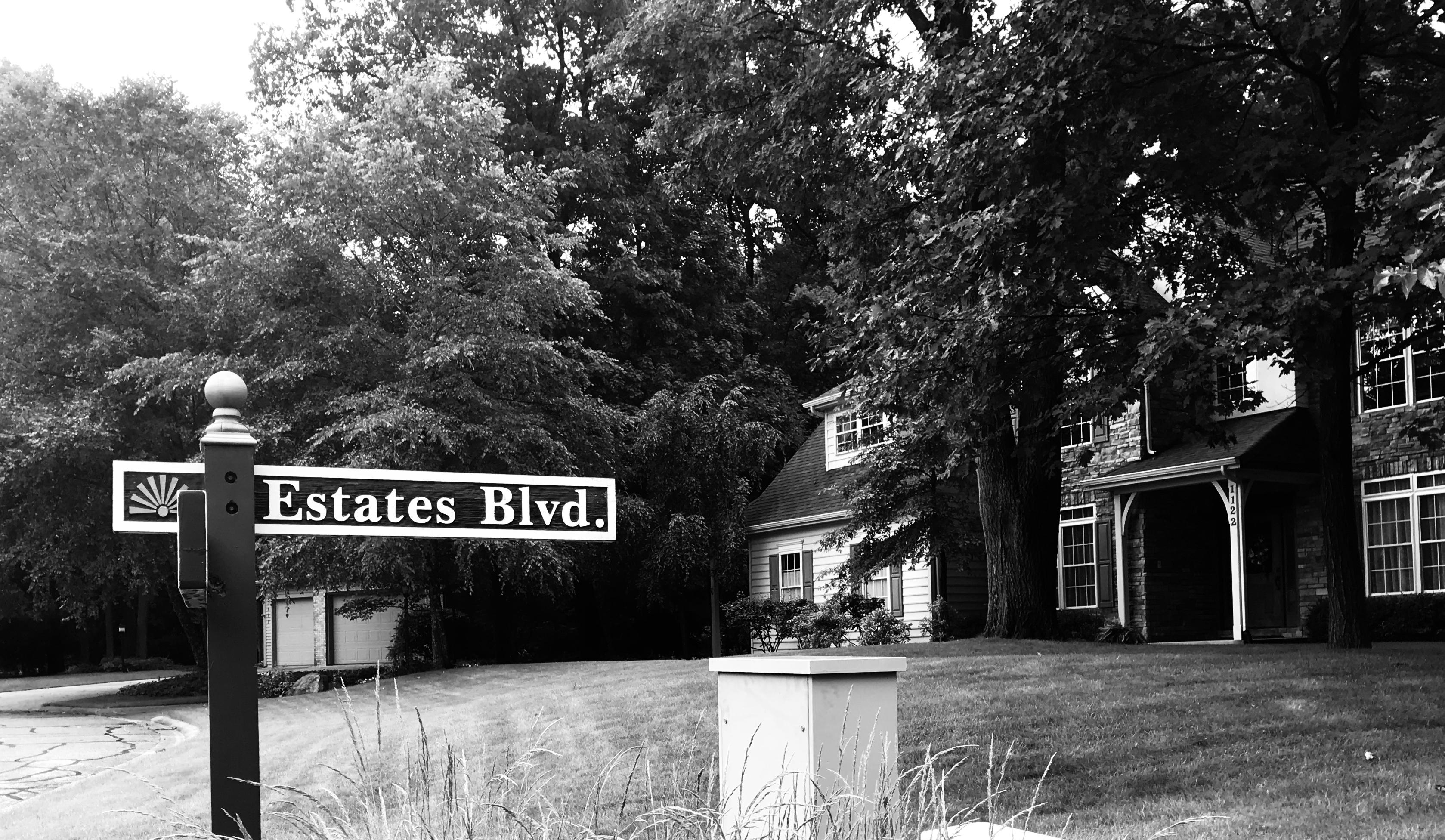 Estates Blvd. Street Sign